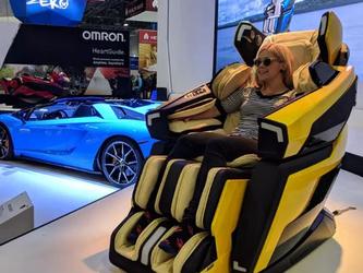 """椅中貴族?蘭博基尼""""大黃蜂""""按摩椅閃亮登場CES2019"""