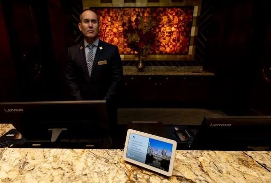 谷歌正在Caesars Palace礼宾服务台试用新的翻译功能