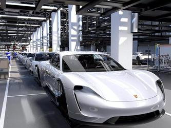 保时捷产量翻番 全电动跑车Taycan年产量将达到4万台