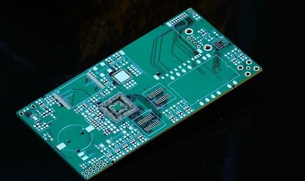 5G时代和人工智能 带动了HDI PCB的升级