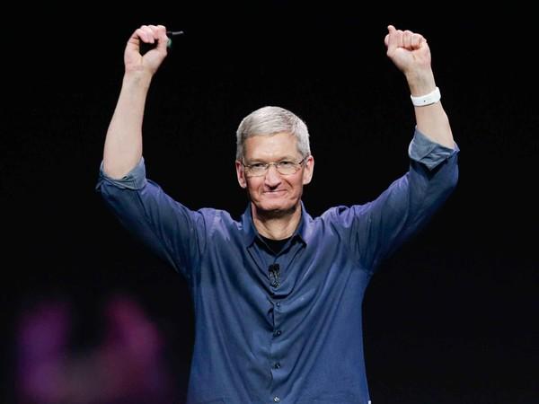 iPhone降价后销量惊人 苹果CEO库克本周将再度访华