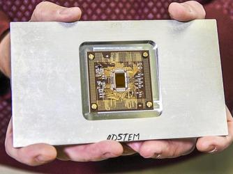 最快速电子探测器 速度增加60倍能捕获原子级图像