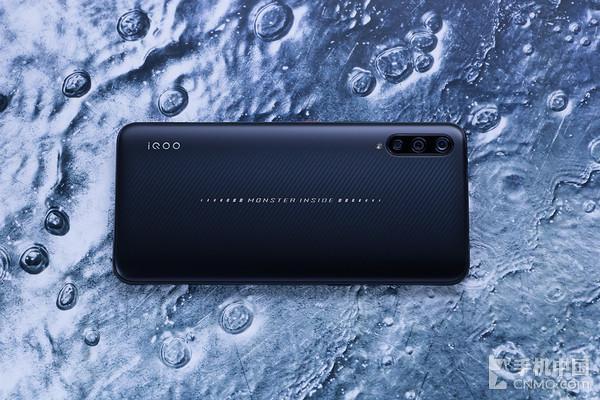生而强悍iQOO手机评测:它就是手机武林中的大侠本侠