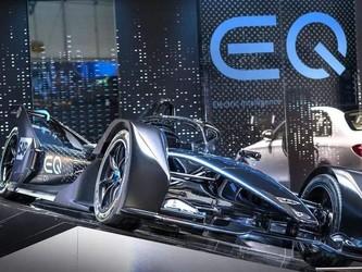 奔驰首款电动赛车驶入日内瓦车展 将于年底首次参赛