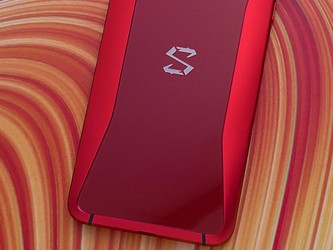 黑鲨游戏手机2真机曝光 12GB运存+骁龙855跑分给力£¡