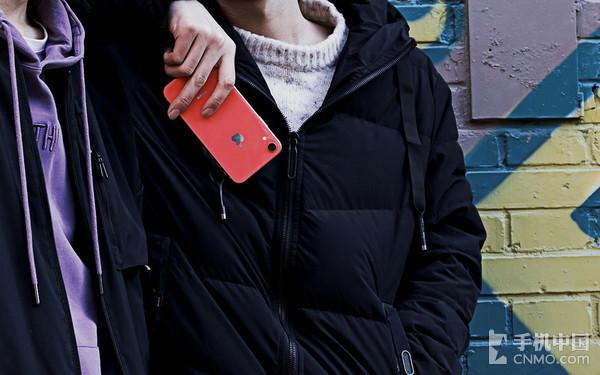 用iPhone XR来诠释彩色真我£º不再囿于这片钢铁丛林