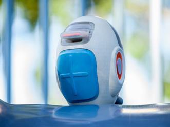 慢性病儿童护理资源有限 澳大利亚护工机器人打破窘境