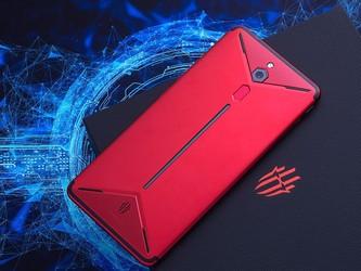 倪飞微博爆猛料:红魔3将成为全球?#21331;?#20027;动式散热手机