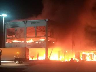 一场大火烧毁所有比赛用车 MotoE还没开始就要结束?
