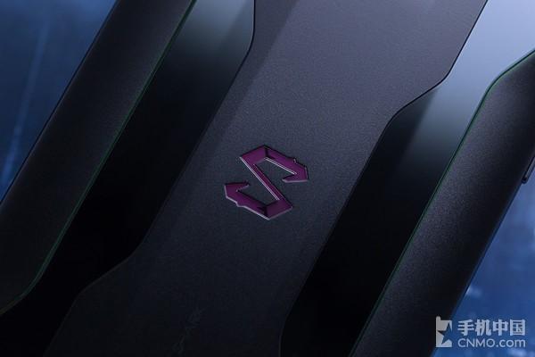 黑鲨游戏手机2 以高通骁龙855为基底的狂暴巨兽