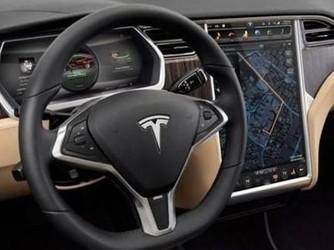 马斯克澄清全自动驾驶改造计划:要等软件赶上硬件