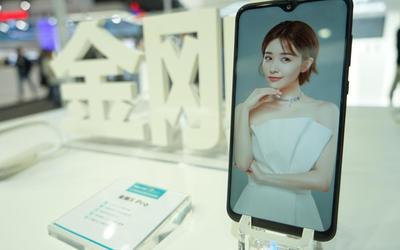 迈入5G时代!海信携5G原型机亮相2019上海联通展
