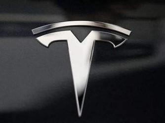 马斯克预言成真£¡距特斯拉推出无方向盘汽车还有两年