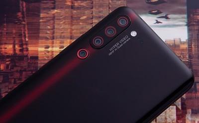 联想Z6 Pro配27W充电器 卢伟冰为啥会转发点赞?