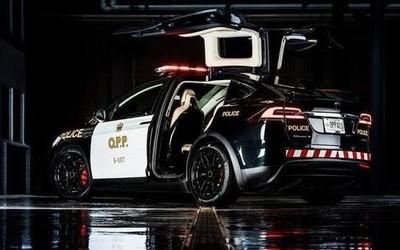 Model X瑞士警车队成功?#19979;?特斯拉成各国警队新宠