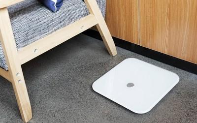 荣耀智能体脂秤WiFi版体验:精选17项专业测量指标