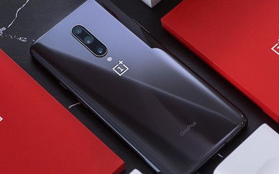 旗舰手机怎么��?顶级屏幕加持一加7 Pro流畅度爆表