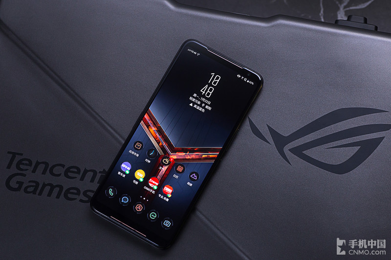 120Hz刷新率屏幕 沉浸式游戏体验 华硕ROG游戏手机2图赏