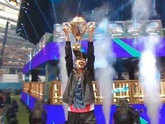 美16岁少年夺冠《堡垒之夜》世界杯 奖金300万美元