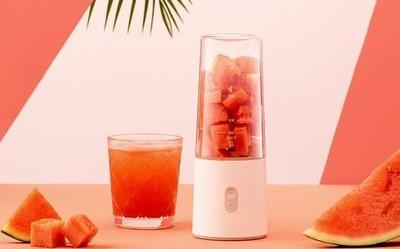 从水果自由到果汁自由 小米发布89元米家便携榨汁机