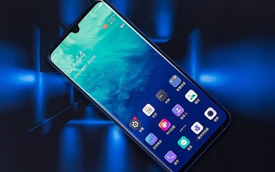 5G时代正式到来 中兴天机Axon 10 Pro 5G版即将开售