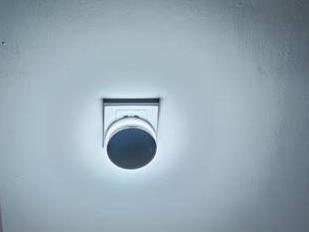 深夜起床为你点一盏灯 这大概就是智能家居的意义