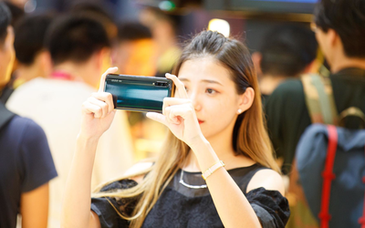vivo首款商用5G手機iQOO Pro:5G 6天線設計速度起飛