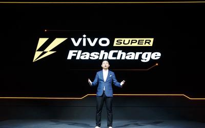 "4500mAh電池充滿要多長時間?滿足5G iQOO有""硬貨"""