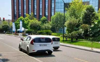 看自动驾驶汽车如何应对典型城市道路和交通场景