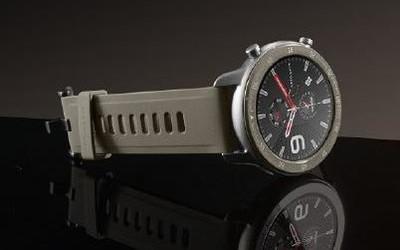 华米Amazfit GTR 47mm钛金属版正式开售 售1399元