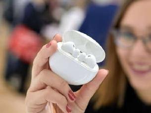 华为FreeBuds 3无线蓝牙耳机发布 对称设计/自研芯片