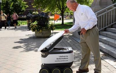 Starship的送货机器人已进入校园 送货起步价2美元