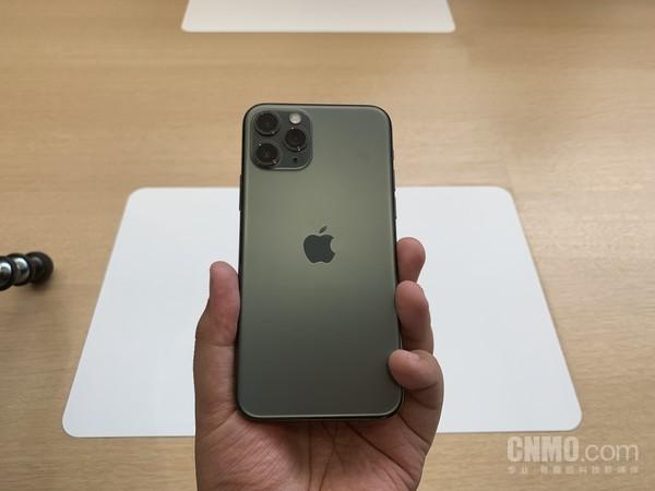 iPhone 11 Pro暗夜�G配色