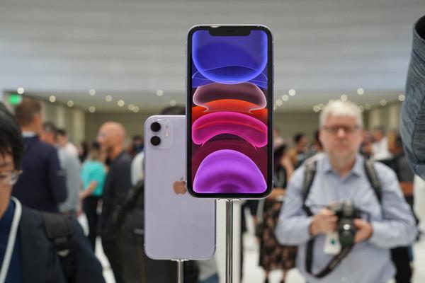 iPhone 11配备6.1英寸Liquid视网膜全面屏
