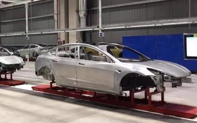 特斯拉上海工厂内部照片流出 Model 3车身已经下线
