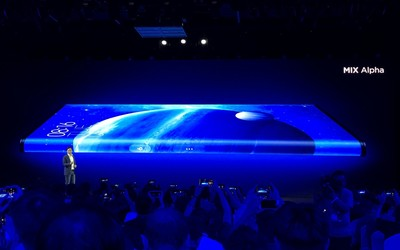 """小米MIX Alpha正式发布 360度""""环绕屏""""来自未来的手机"""
