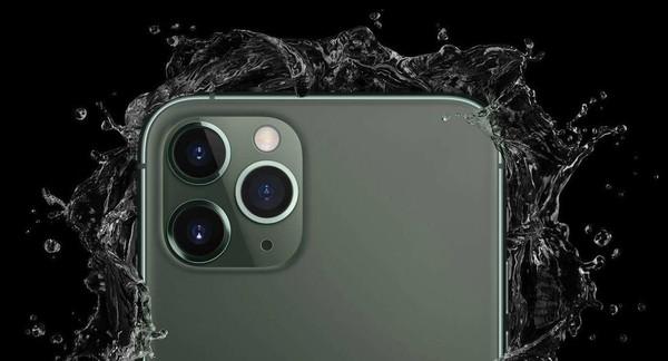 iPhone 11 Pro摄像头特写