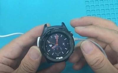 亚博娱乐_亚博娱乐国际 8watch2智能手表不开机不充电,修理其实很简单