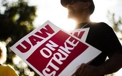 向工会大佬低头 通用同意增加投资/新增合同改签补偿
