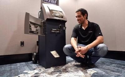 这种软件能让ATM机吐钱 像从U盘里拷东西一样简单?