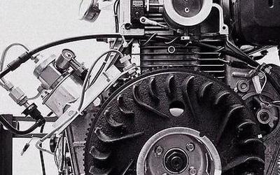 81岁老翁和两个儿子开发新型发动机 只烧酒精和水