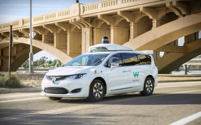 Waymo真·自动驾驶服务上线亚利桑那 车里只有乘客
