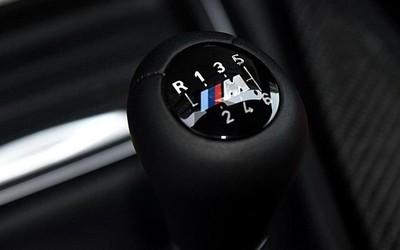 美国市场:第三季度电动汽车销量超越手动挡燃油车