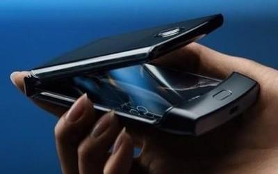 摩托罗拉Razr折叠屏手机换屏价格曝光 你考虑购买吗?