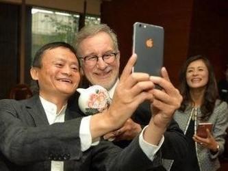 马云苹果粉实锤!集齐多款iPhone/现在在用什么手机?