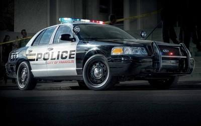 """拆除车内的警用GPS追踪器 男子被警察指控为""""偷窃"""""""