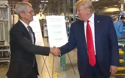 特朗普参观苹果Mac Pro工厂 库克:美国经济世界第一