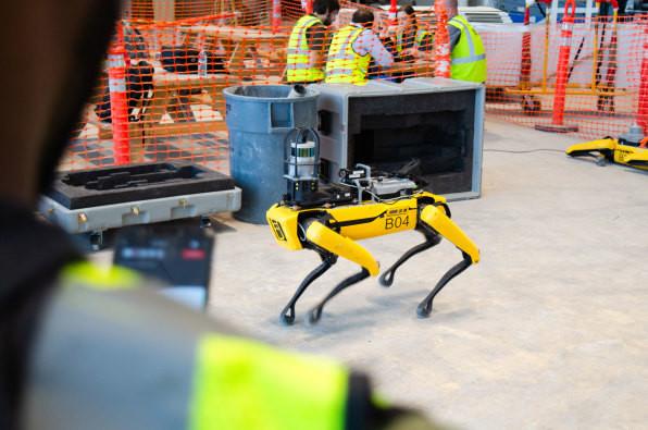 波士顿动力公司的机器狗终于投入商用 采集360° 像