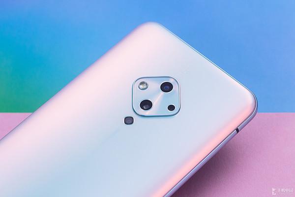 vivo S5五重超质感美颜 点亮手机照亮属于你的美丽