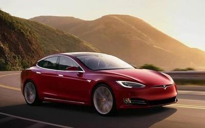一辆特斯拉Model S已行驶百万公里 车主:我喜欢开车